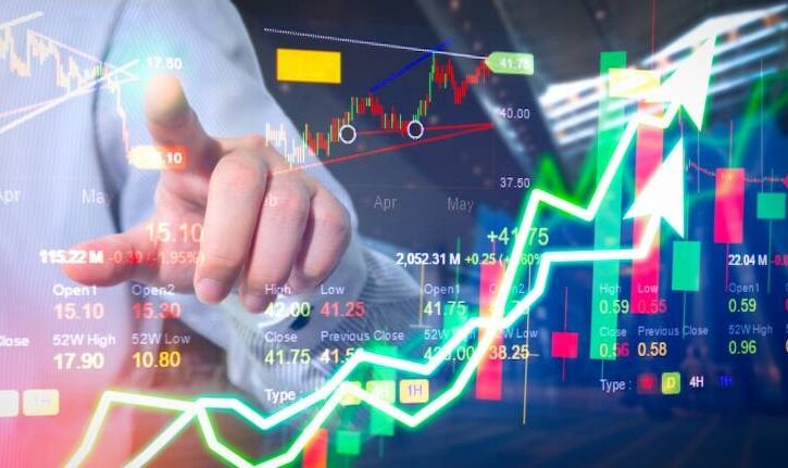 How Experts Tackle the Sentiments in Investment Business